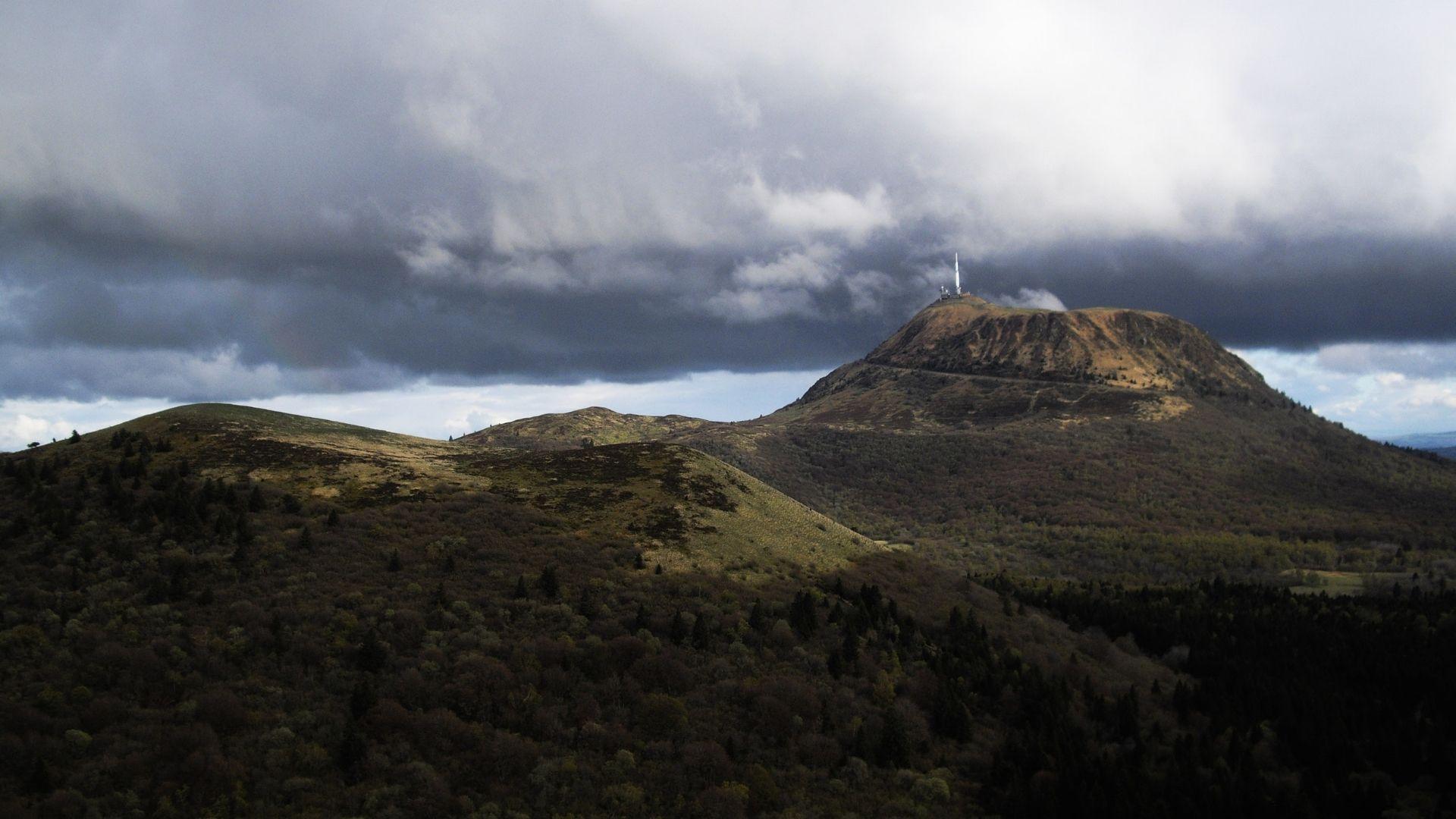 Volcan de Puy-de-Dôme, France